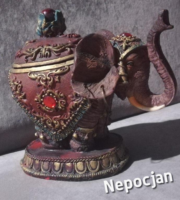 Szkatułka Słoń Indyjski zdobiony, piękny