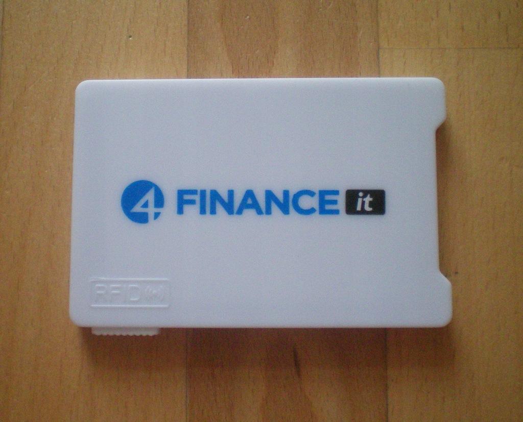 Etui antykradzieżowe na karty kredytowe RFID