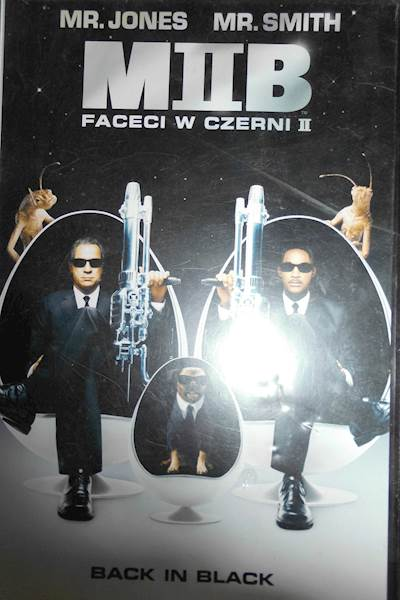 Faceci w czerni 2 - VHS kaseta video