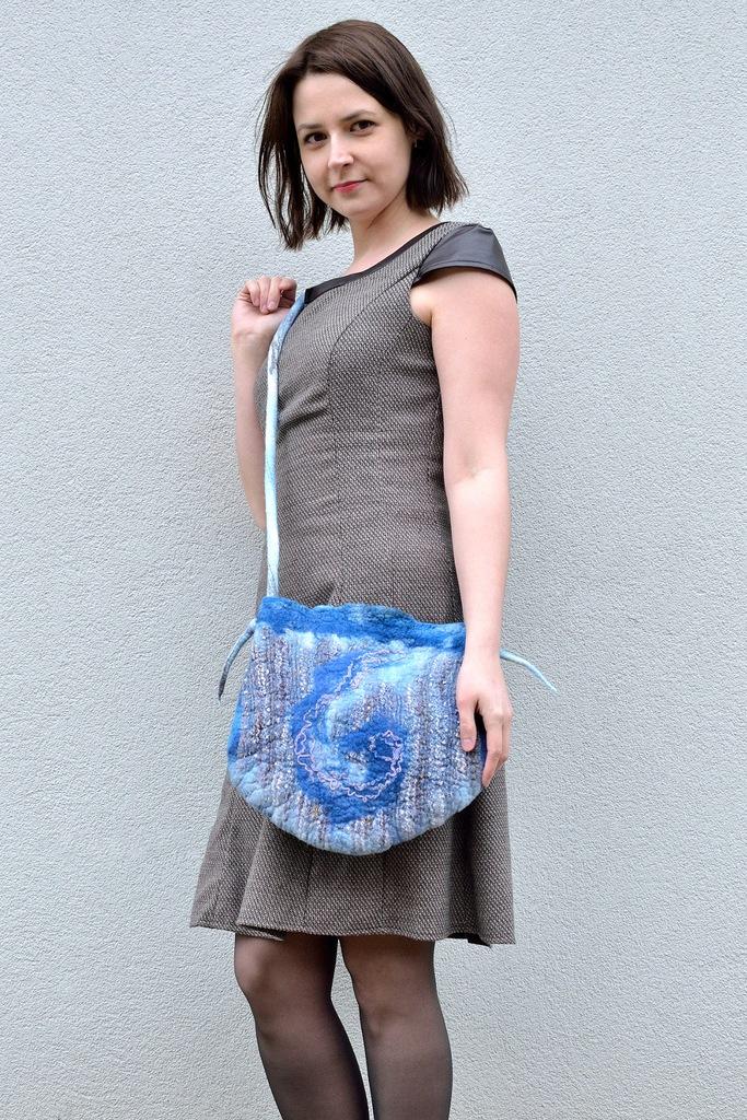Duża niebieska torebka z filcu RETRO na ramię FILC