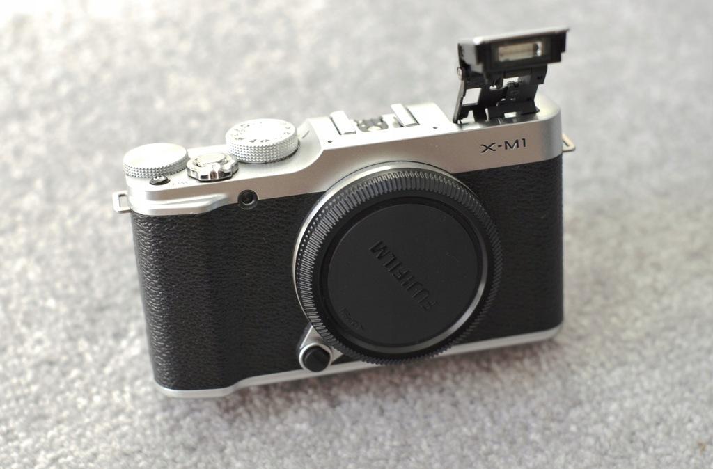 Fujifilm X-M1 + Fujinon XF 23 mm 1.4 R czytaj opis