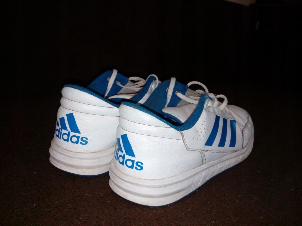 Buty sportowe firmy adidas, adidasy skòrzane 41