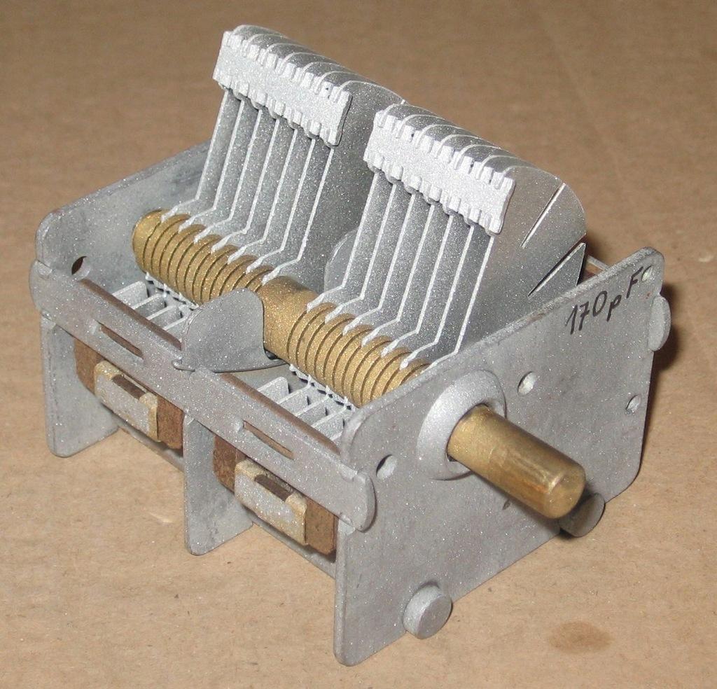 Kondensator zmienny nadawczy 170 pF