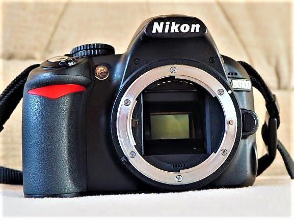 Aparat Nikon D3100 + Obiektyw Nikon DX 18-55