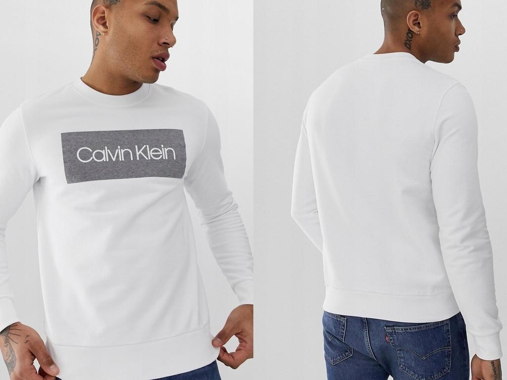 Calvin Klein - Biała bluza z dużym logo M