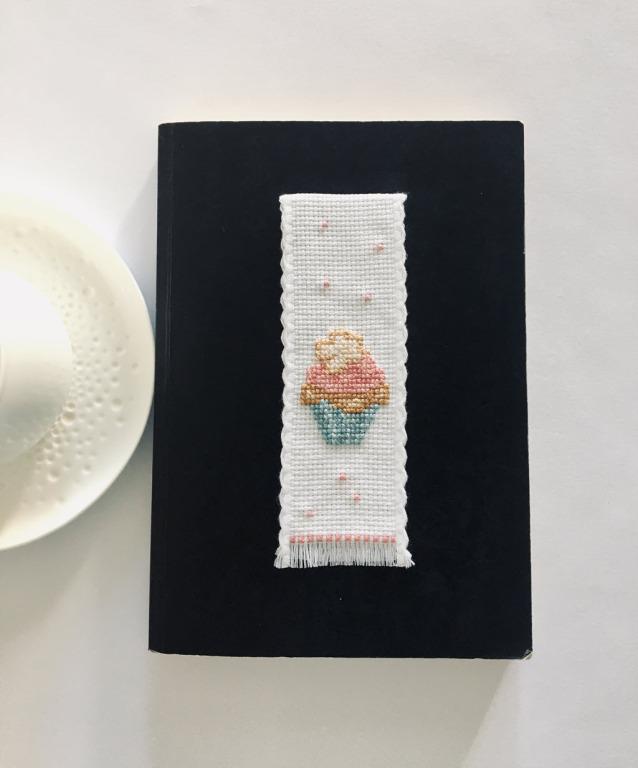 Hand made zakładka niebieski muffin z kwiatkiem