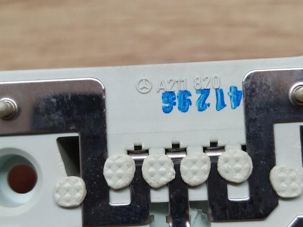 A211820 WKLAD LAMPY TYLNEJ MERCEDES W211 KOMBI Pozostałe