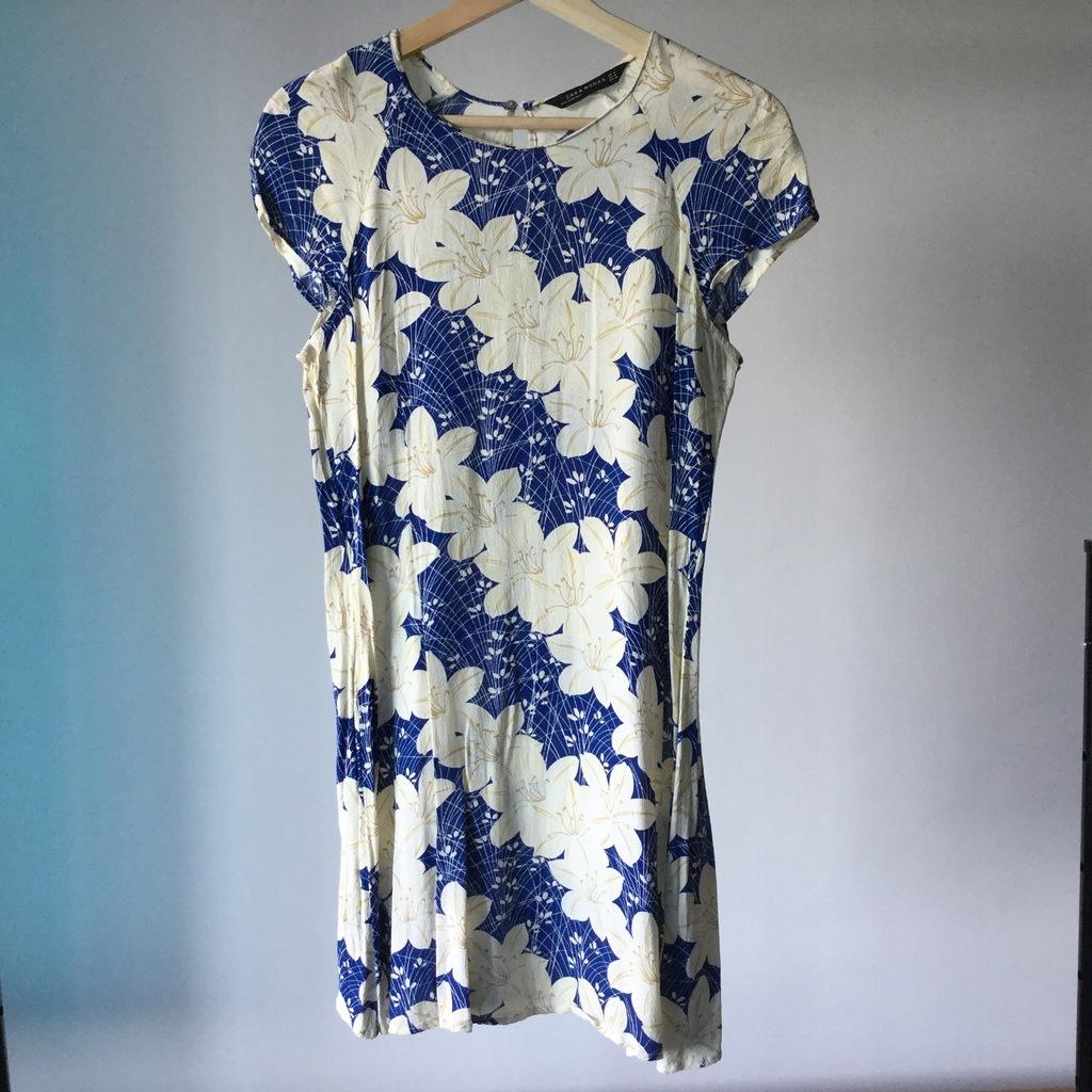 Sukienka Zara w kwiaty granatowa beż lilie M