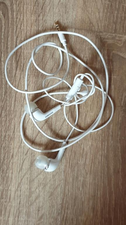 Oryginalne słuchawki samsunga białe