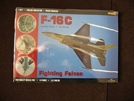 SAMOLOT MYŚLIWSKI F 16C TOPSHOTS 11027 FOLIA