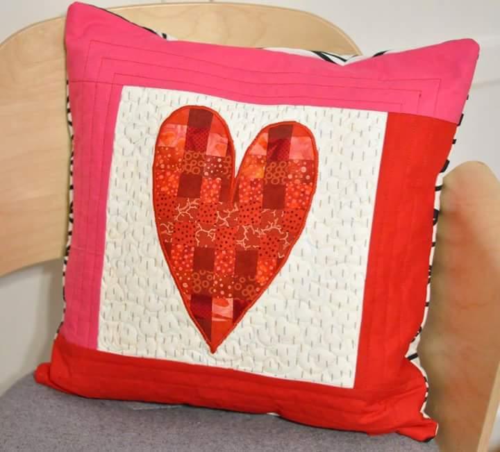 patchworkowa poduszka z sercem