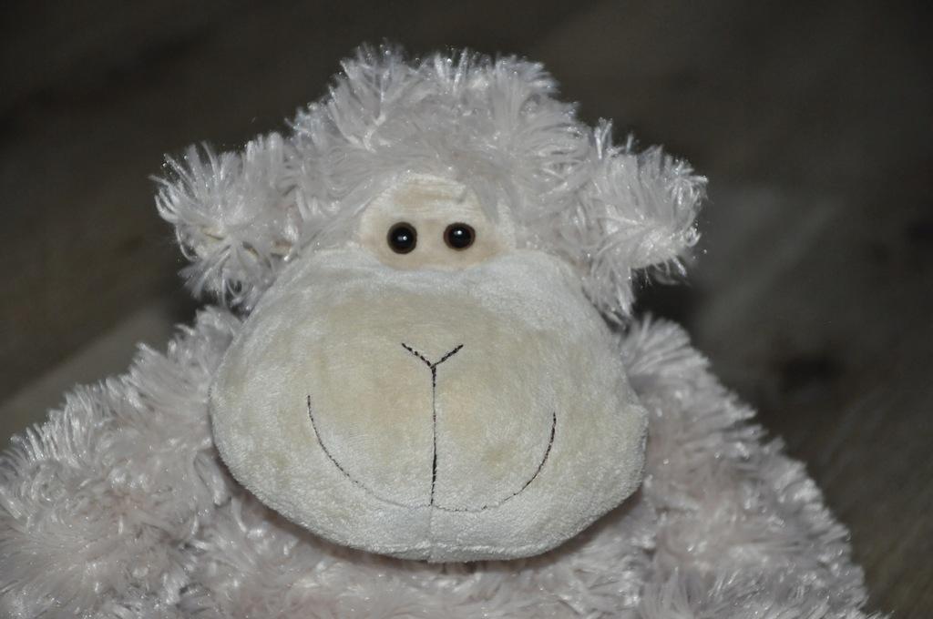 pluszak maskotka fajna owca owieczka Nanu - Nana