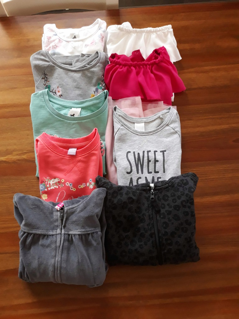 Zestaw ubranek dla dziewczynki roz .122. C&A