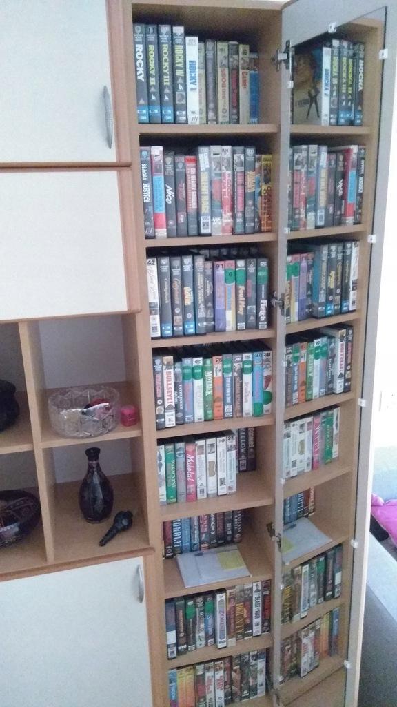 1. Kolekcja kaset VIDEO VHS Pakiet Zestaw 720 szt.