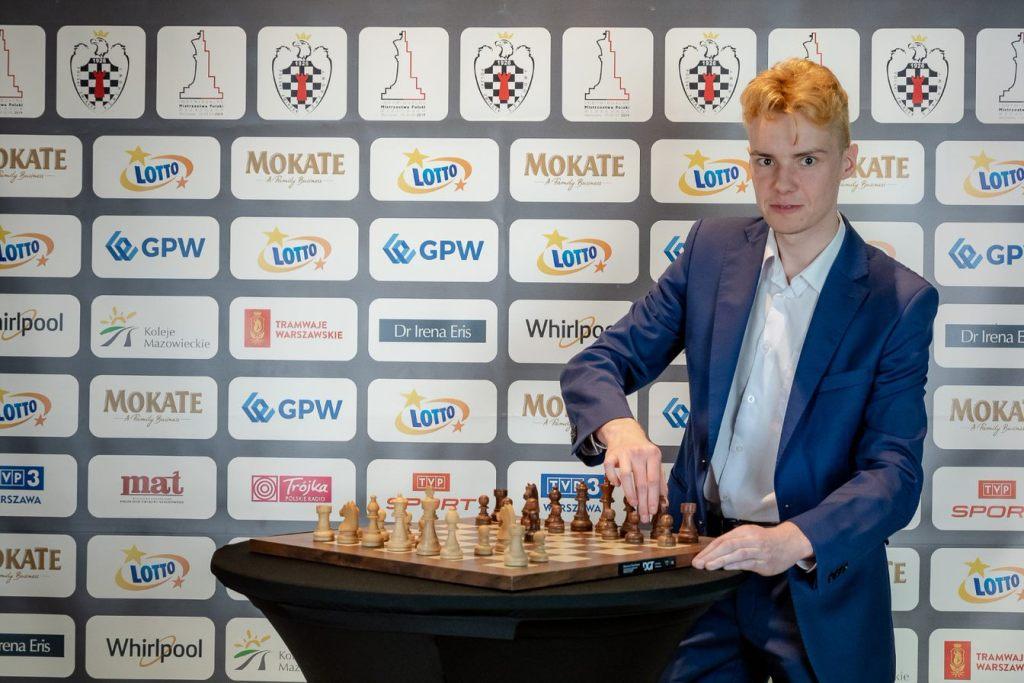 Trening szachowy i gra w FIFĘ z Mistrzem Polski!