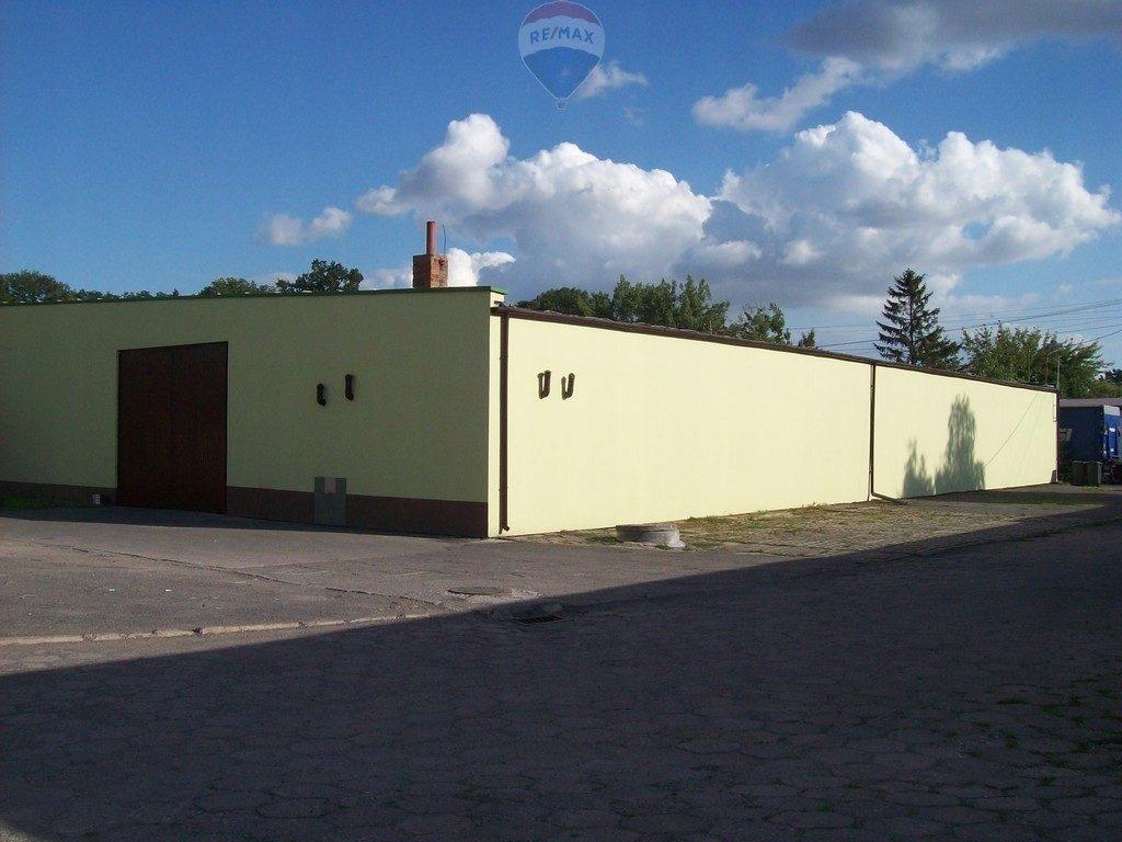 Komercyjne, Warszawa, 1100 m²