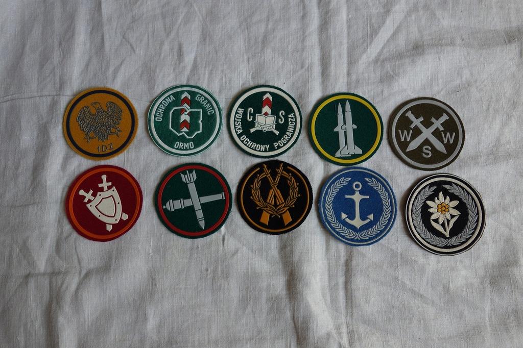Zestaw naszywek wojskowych