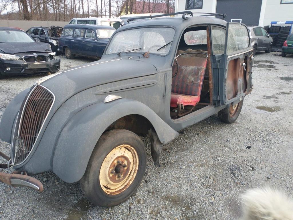 Peugeot 202 zabytek 1952