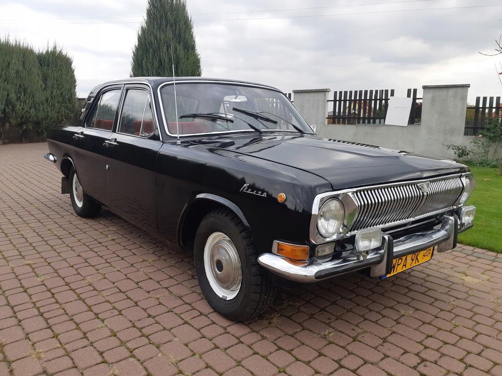 Czarna Wołga GAZ 24. Rok produkcji 1979