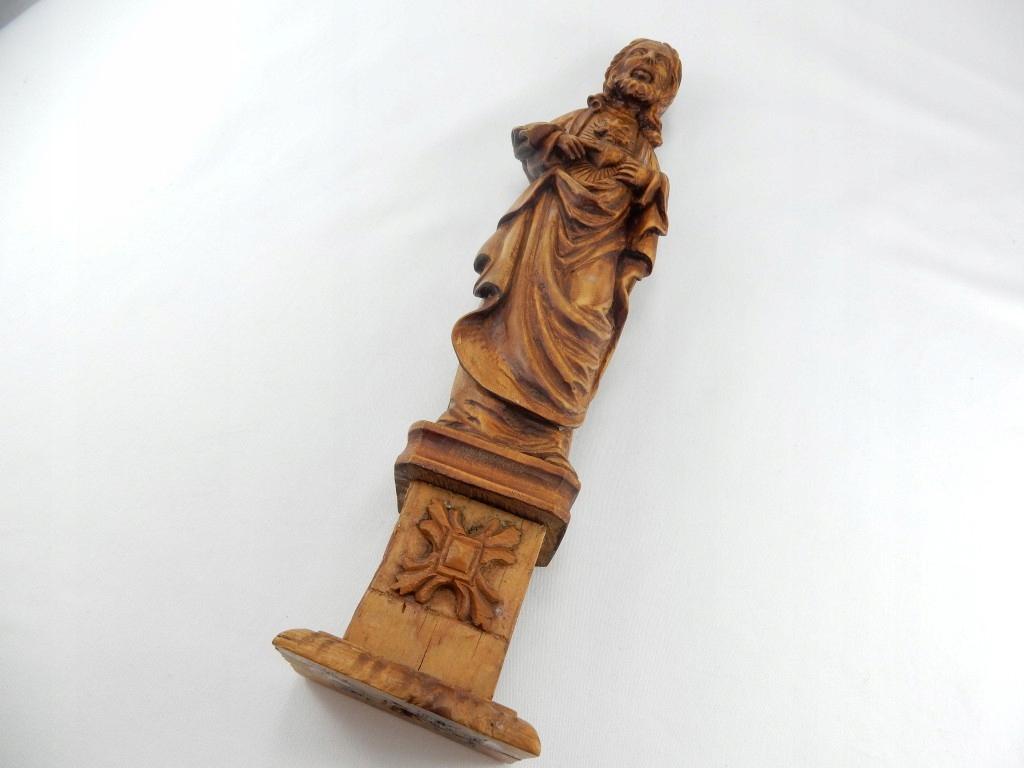 M1 DUŻA STOJĄCA FIGURKA JEZUS SERCE JEZUSA