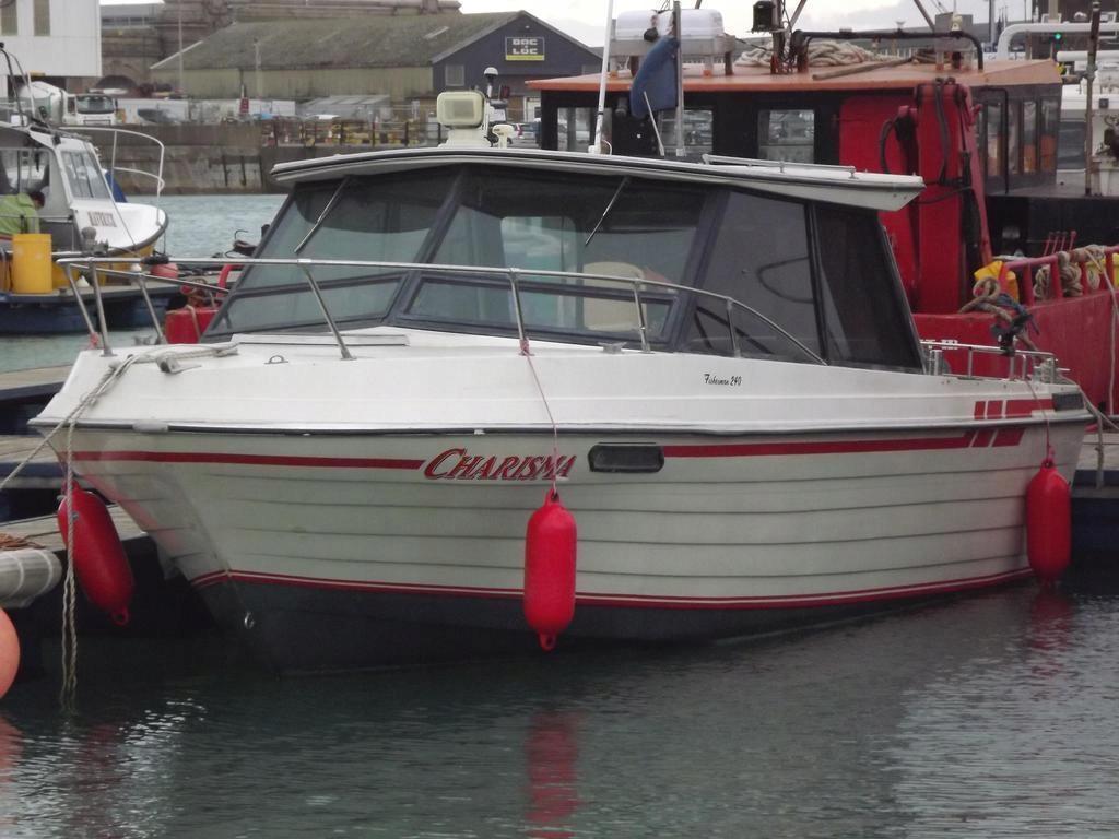 jacht motorowy Fisherman 260 KM bayliner zamiana