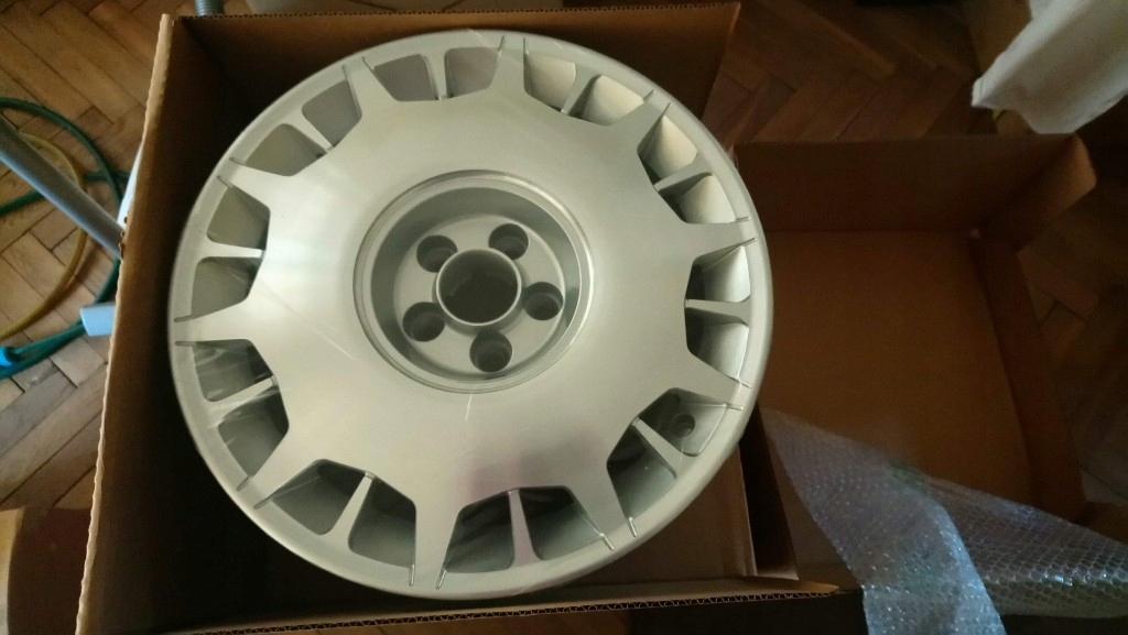 Felgi aluminiowe oryginalne Lancia Phedra.