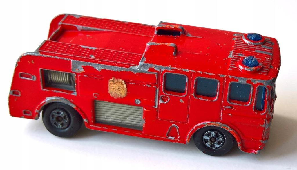 MATCHBOX-MERRYWEATHER FIRE ENGINE