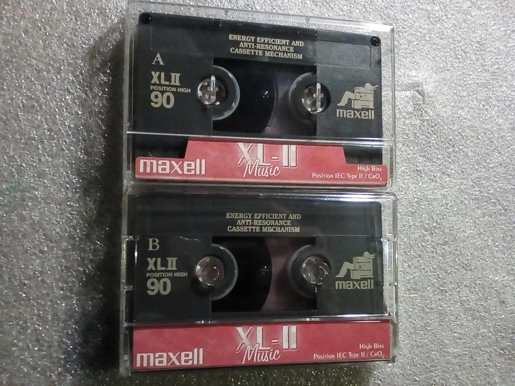 MAXELL XLII MUSIC 90 komplet