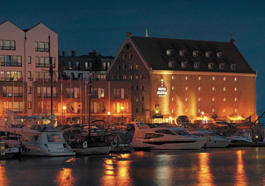 Hotel Gdańsk- voucher na 2 dniowy pobyt + kolacja