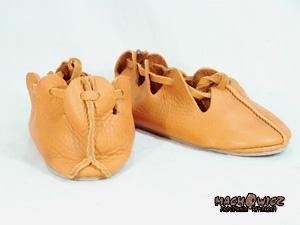 Buty słowiańskie damskie IX-XIw