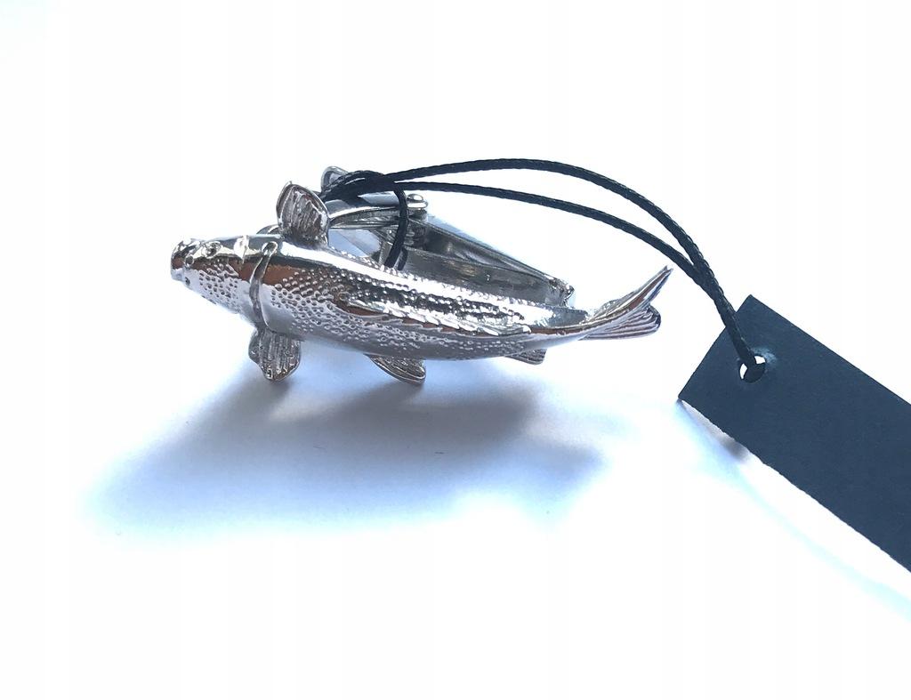 srebrna WSUWKA SPINKA do KRAWATu ryba karp KOI