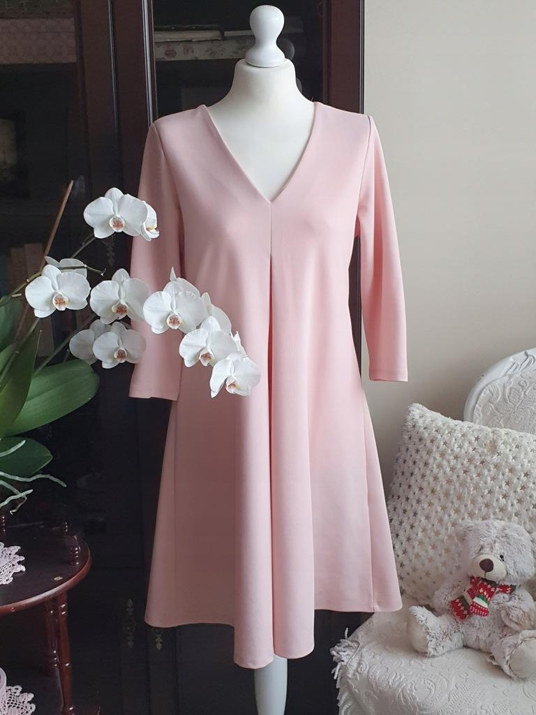 Reserved sukienka rozkloszowana pudrowy róż M