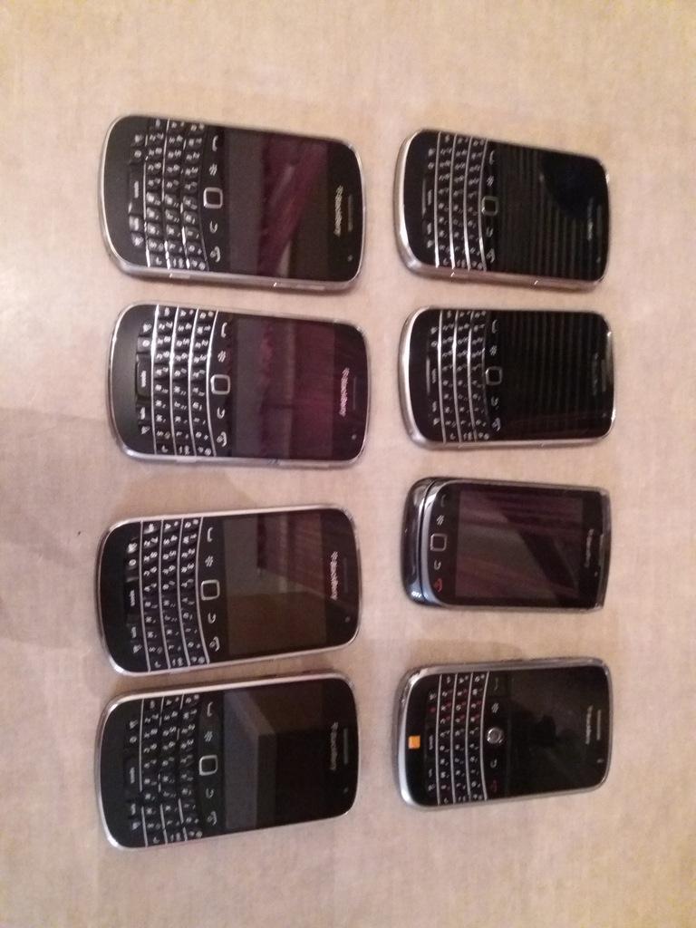 BlackBerry Bold 9900, 9800 8 szt.