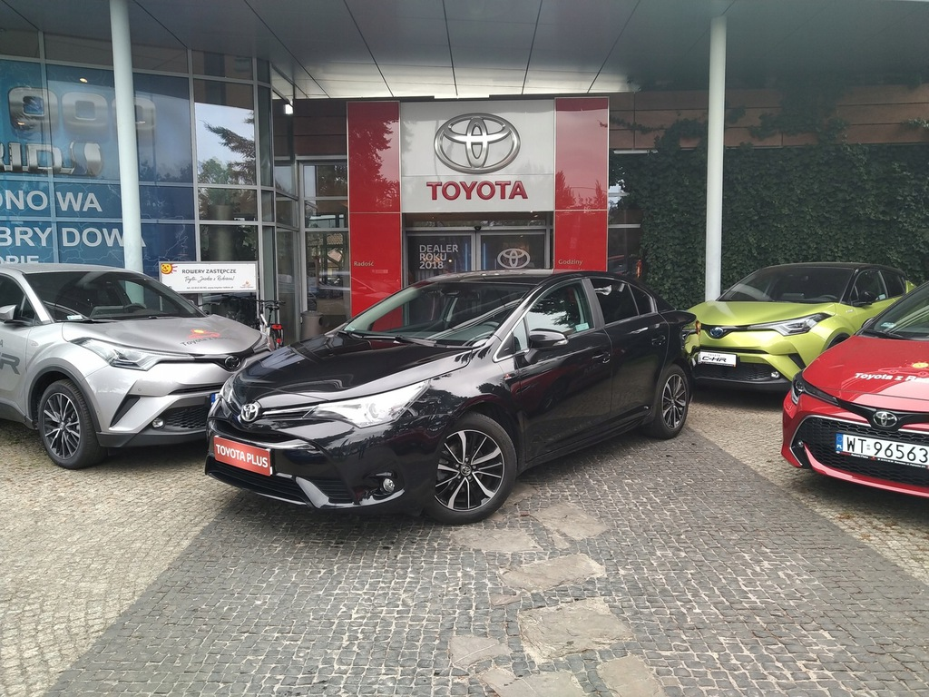 Toyota Avensis 1.8 Premium + Executive + Style