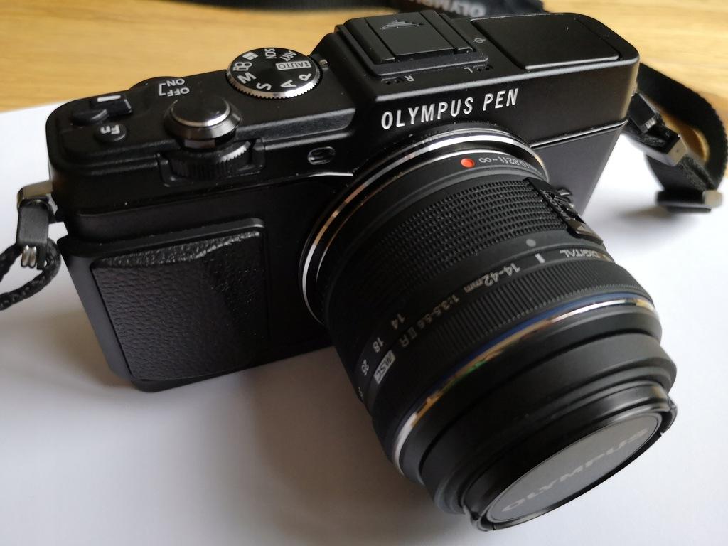 Aparat Olympus E-P5 + Viewfinder VF-4