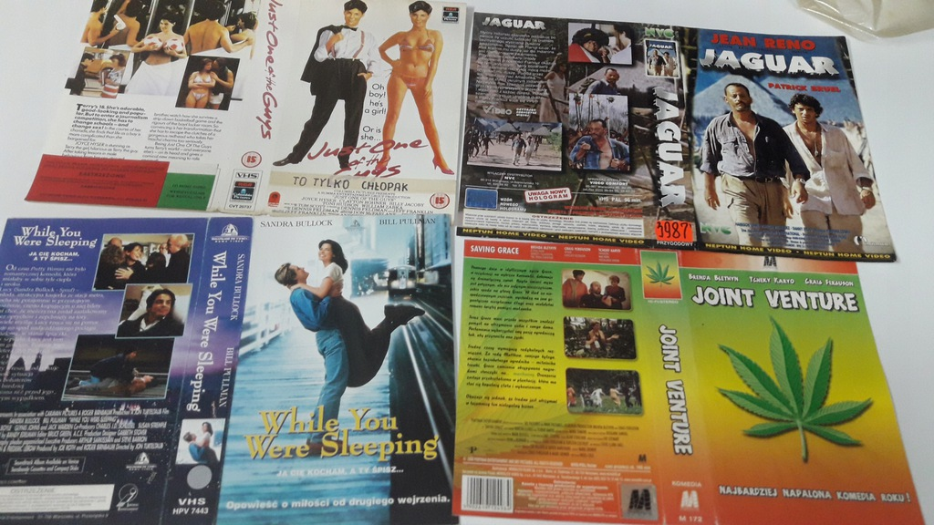 A-0904 pakiet 8 okładek kaset vhs