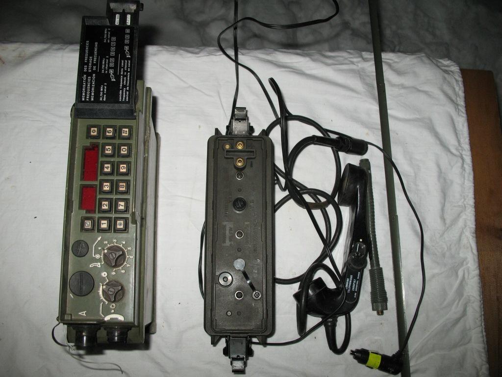 Francuska radiostacja plecakowa TRC-552