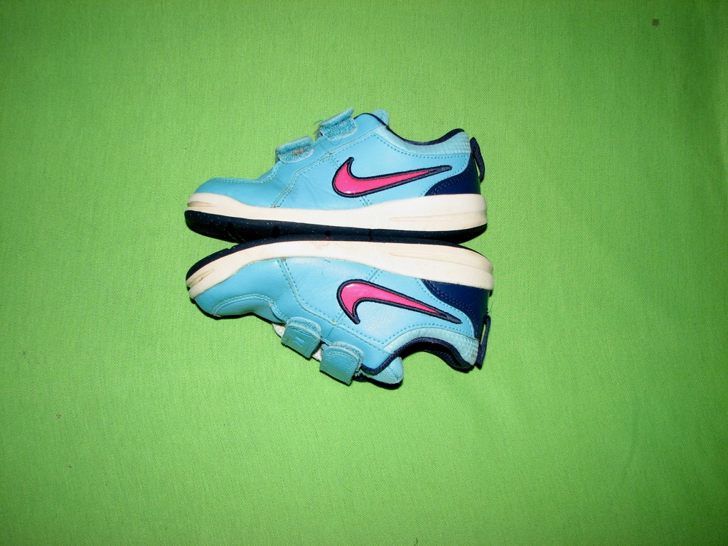 Jak nowe buty na rzepy firmy NIKE r 25/16cm