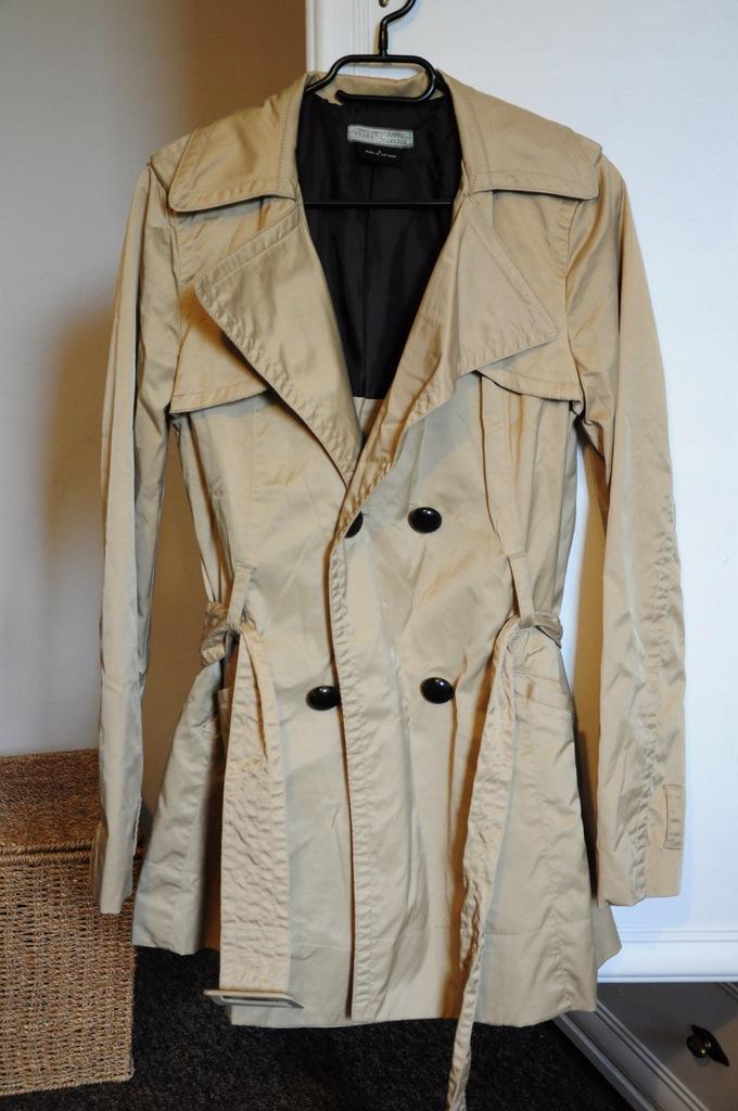 Płaszcz trencz beżowy