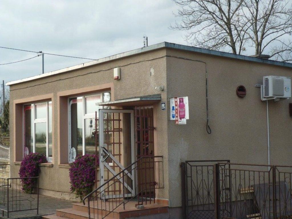 Komercyjne, Brudzawy, Bobrowo (gm.), 87 m²
