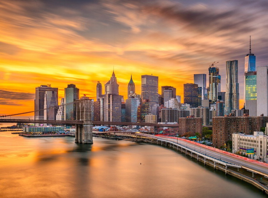 Fototapet Manhattan Skyline Sunset (500 x 280 cm)