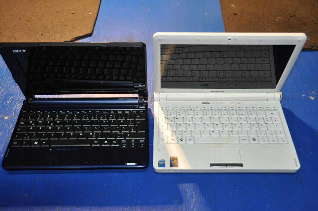 LENOVO S10e + ACER ASPIRE ONE ZG5