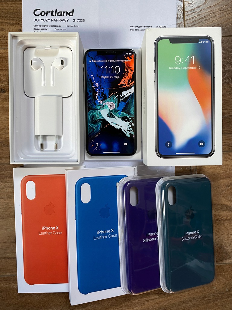 Apple iPhone X 64GB Srebrny MQAD2PM/A + GRATISY!