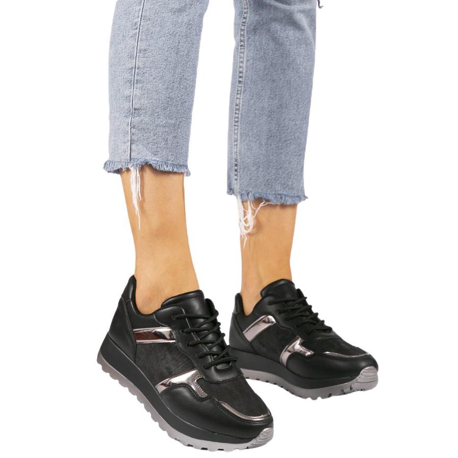 Czarne sneakersy sportowe z eko-skóry r.37
