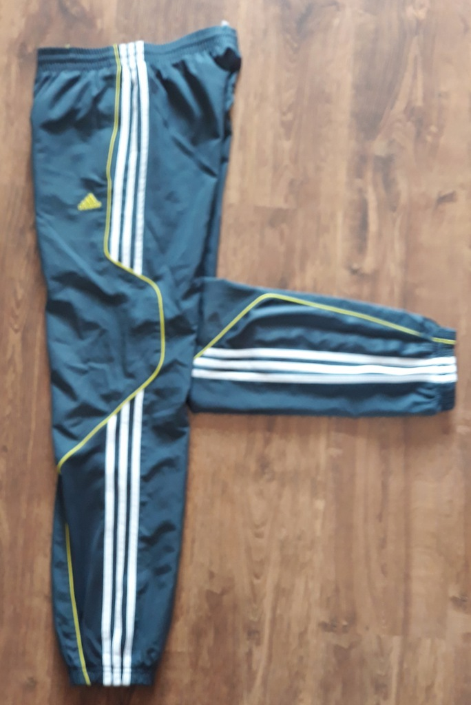 Spodnie Adidas dresy r164 13 14lat. Jak nowe.