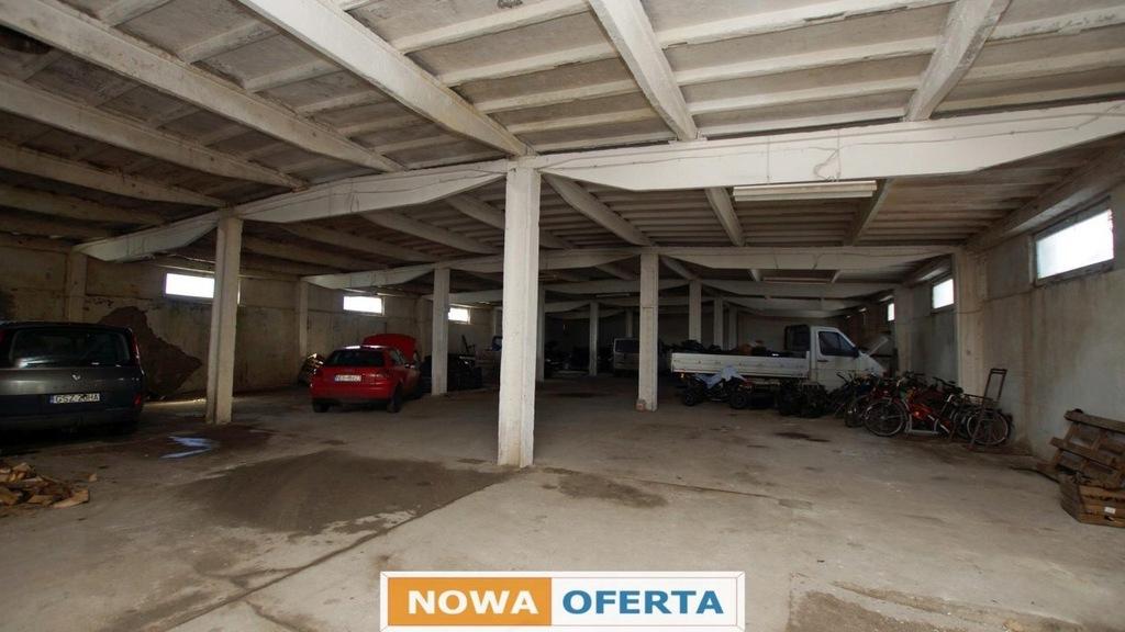 Komercyjne, Rychliki, Rychliki (gm.), 977 m²
