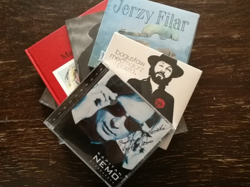 Płyty CD z autografami m.in KAPITAN NEMO, książki