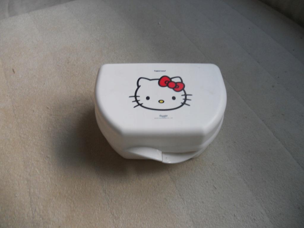 Tupperware sniadaniowka Hello Kitty