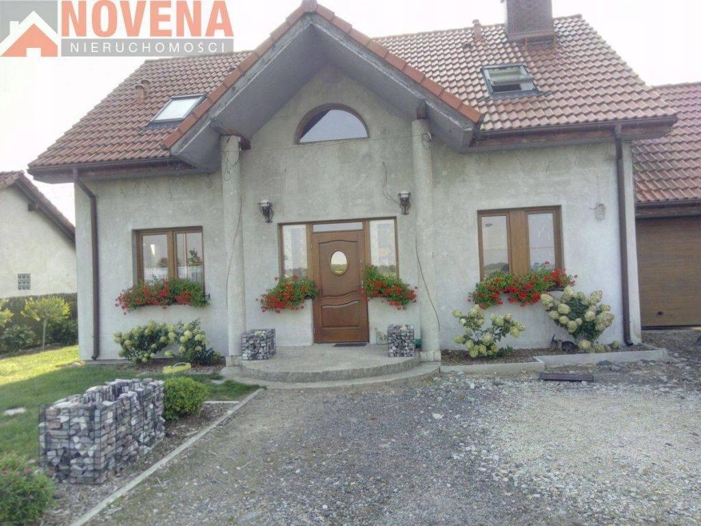 Dom, Oleśnica, Oleśnicki (pow.), 1290 m²