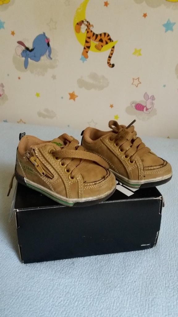 Buty chłopięce firmy Badoxx rozmiar 20.